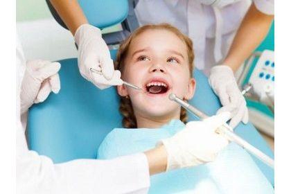 Реставрація зубів, естетична стоматологія